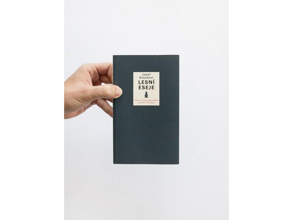 15893 lesni eseje josef kroutvor