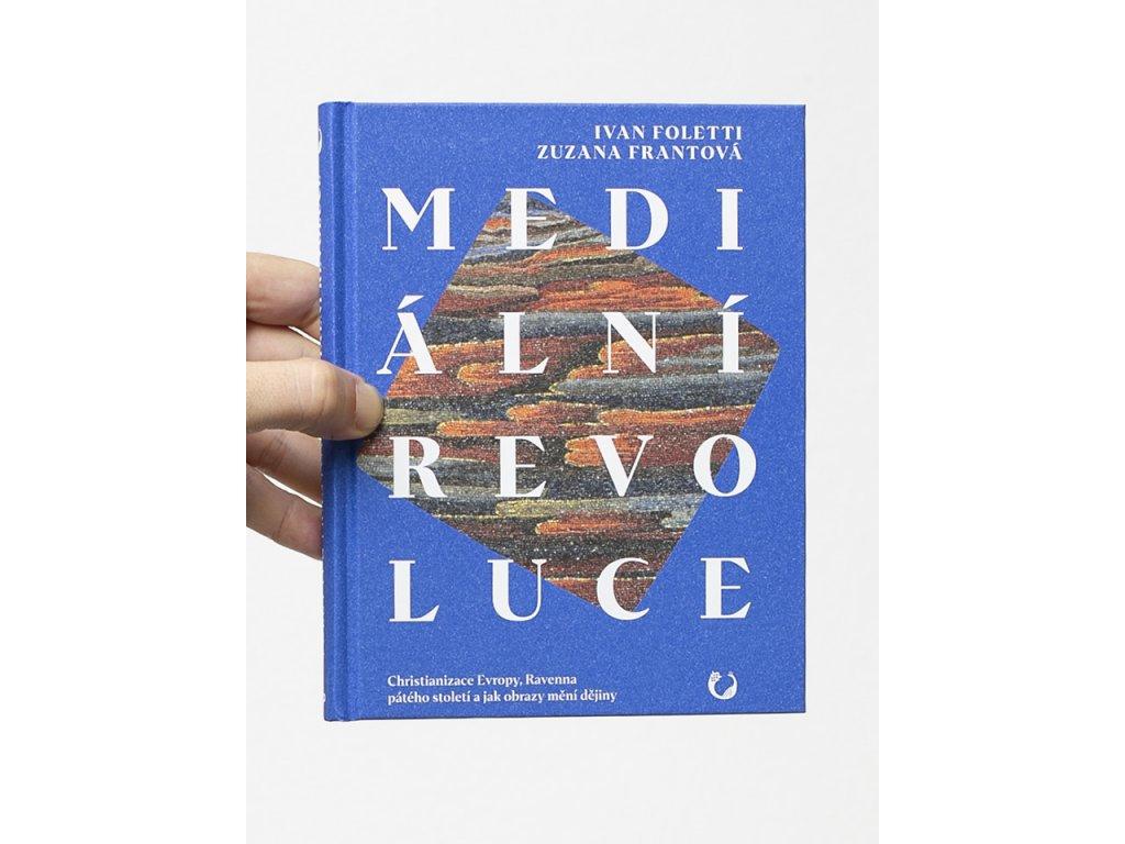 medialni revoluce cover