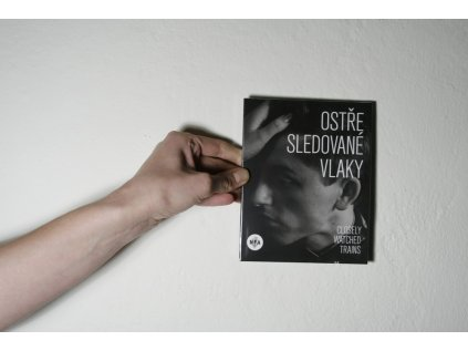 5372 dvd ostre sledovane vlaky closely watched trains