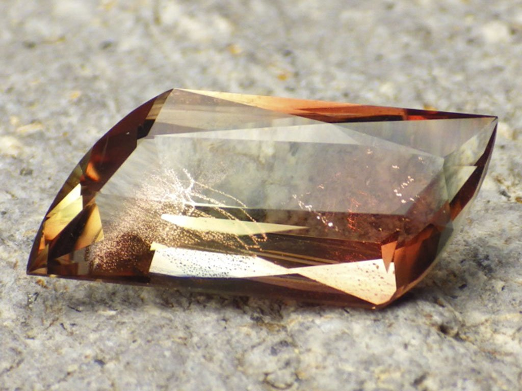 5.20 ct bicolor oregon sunstone 1