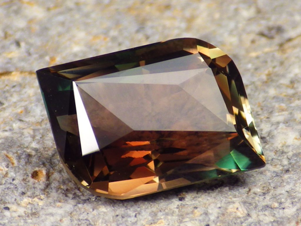 7.39 ct multicolor mystique oregon sunstone 1