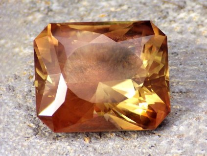 29.39 ct Oregon Sunstone W0591 01