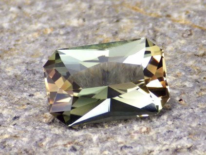 2.69 ct dichroic oregon sunstone octagon 1