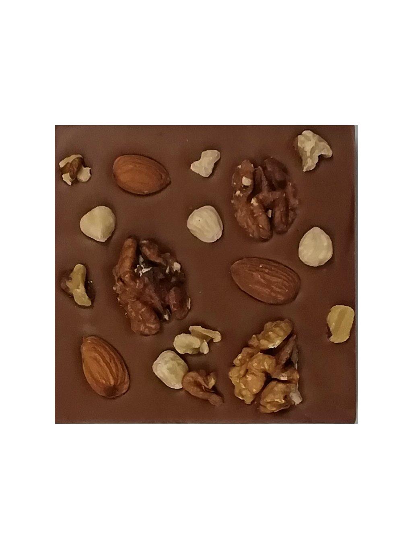 Mléčná čokoláda s ořechy a mandlemi slazená stévií