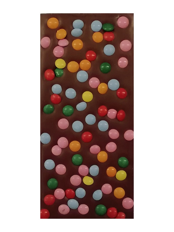 Mléčná čokoláda s lentilkami