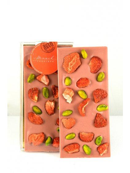 Ruby čokoláda s jahodami a pistáciemi