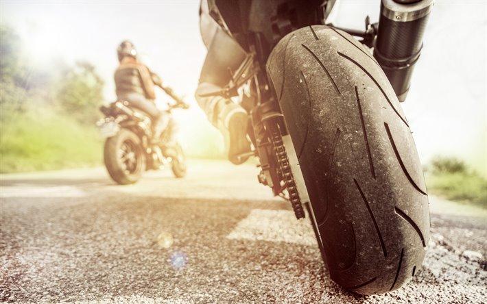 Levné moto pneumatiky - starší skladové zásoby