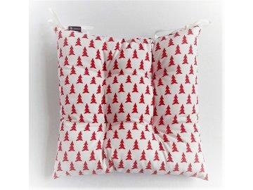 Sedák na židli  40 x 40 cm, vánoční červené stromečky na bílém podkladu