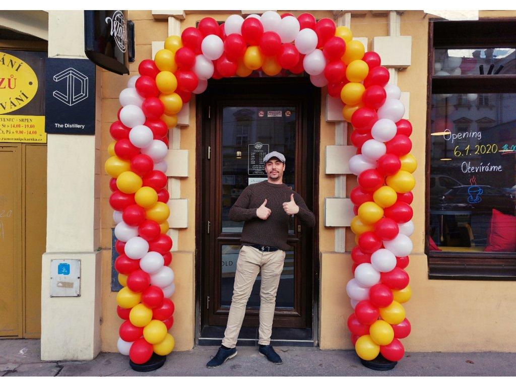 balónková brána z balónků