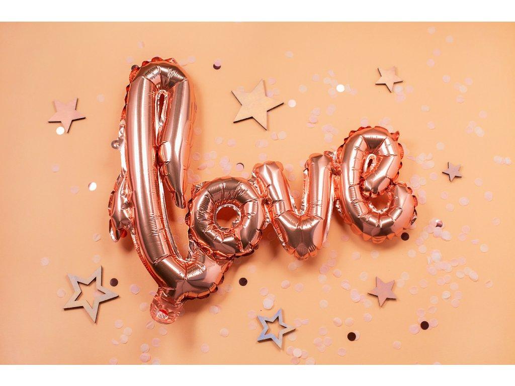 love nápis láska balónky z balónků narozeninové balonky párty (1)