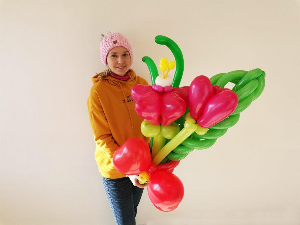 kytka z balonku balonky balonkova kytice dárek dárky pro děti narozeninová výzdoba květiny brno květinářství párty