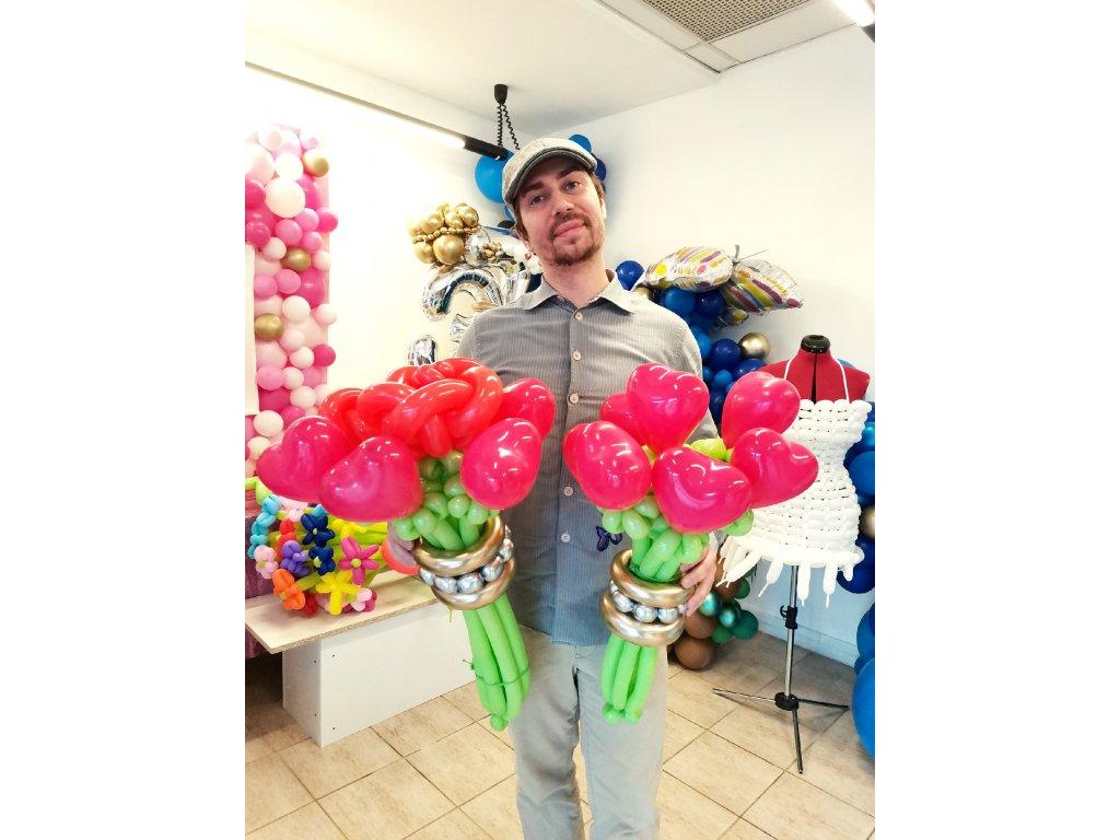 kytice kytka brno helium květiny květina růže květinářství balónky z balónků dárek dárky pro ni pro maminku kamarádku milenku srdce srdíčka (1)