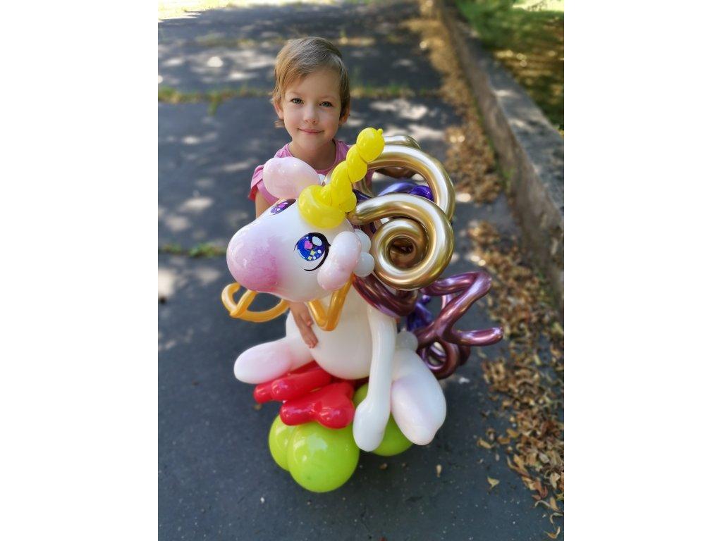 Balonek - Jednorožec na travnatém obláčku