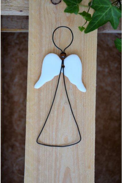 Andílek s keramickými křídly
