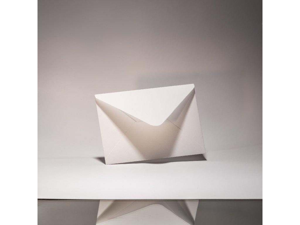 Obálka C6, Via Laid pure white, 120 g, šípová klopa