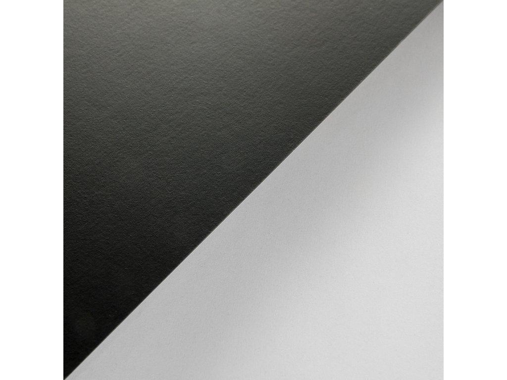 Plike Black, 330g, 72x102, černý pogumovaný