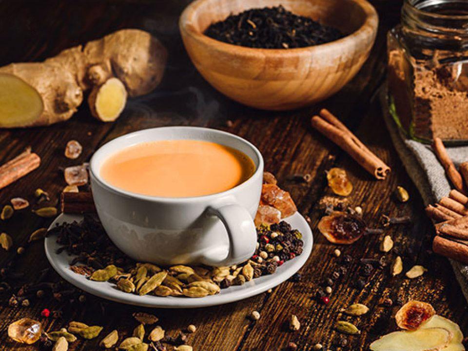 Indický trend Masala čaje je vynechat z něj koření + Návod, jak připravit různé varianty Masala čaje