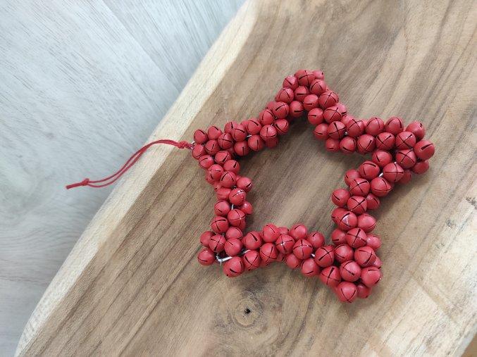 Hvězda z rolniček červená