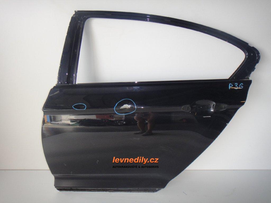Levé zadní dveře Passat 3G