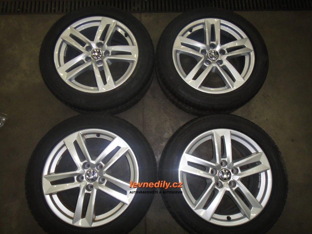 8W0601025P Sada Al kola VW 7x17 ET42 zimní pneu