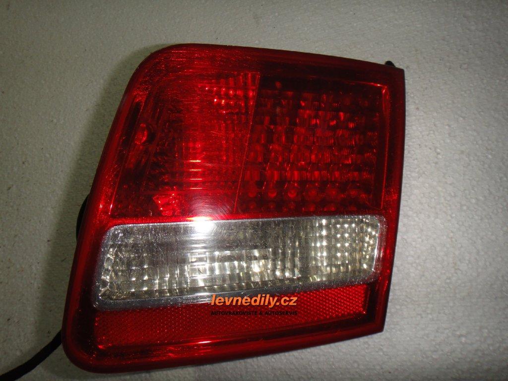 Pravé zadní světlo Audi A8 4E0945094C vnitřní