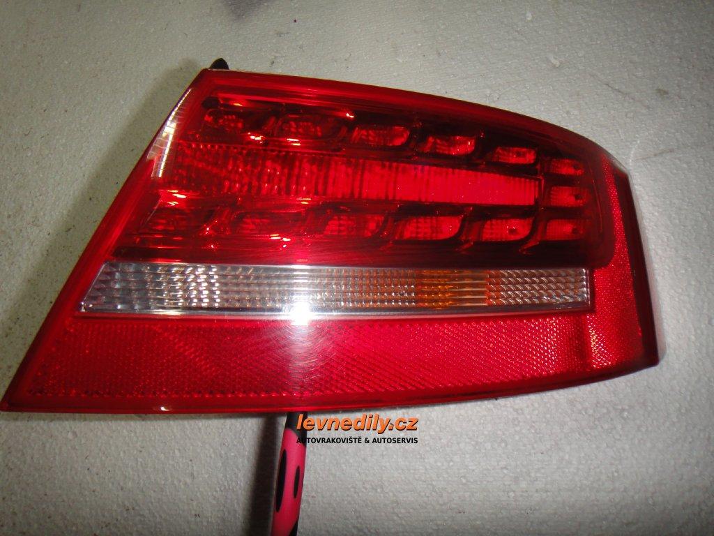 Pravé zadní led světlo Audi A5 8T0945096D vnější