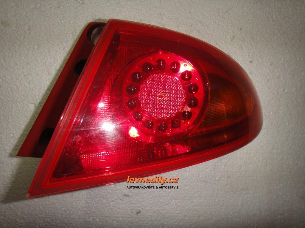 Pravé zadní světlo Seat Leon II 1P0945096B vnější