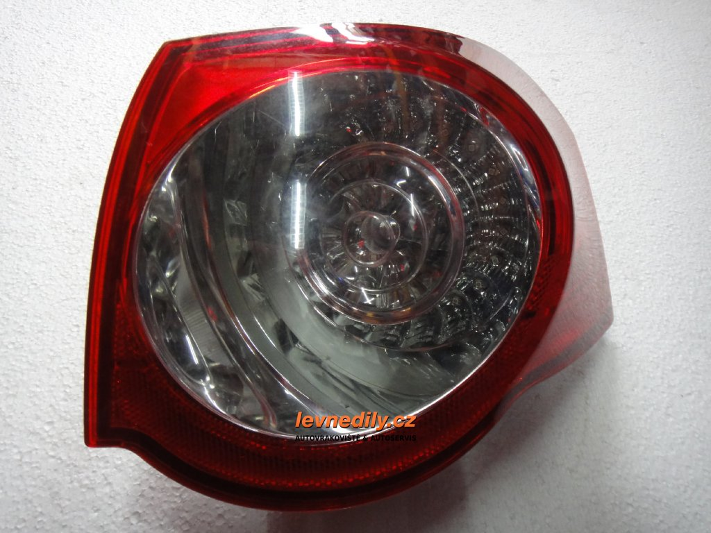 Pravé zadní světlo VW Passat 3C9945096N vnější