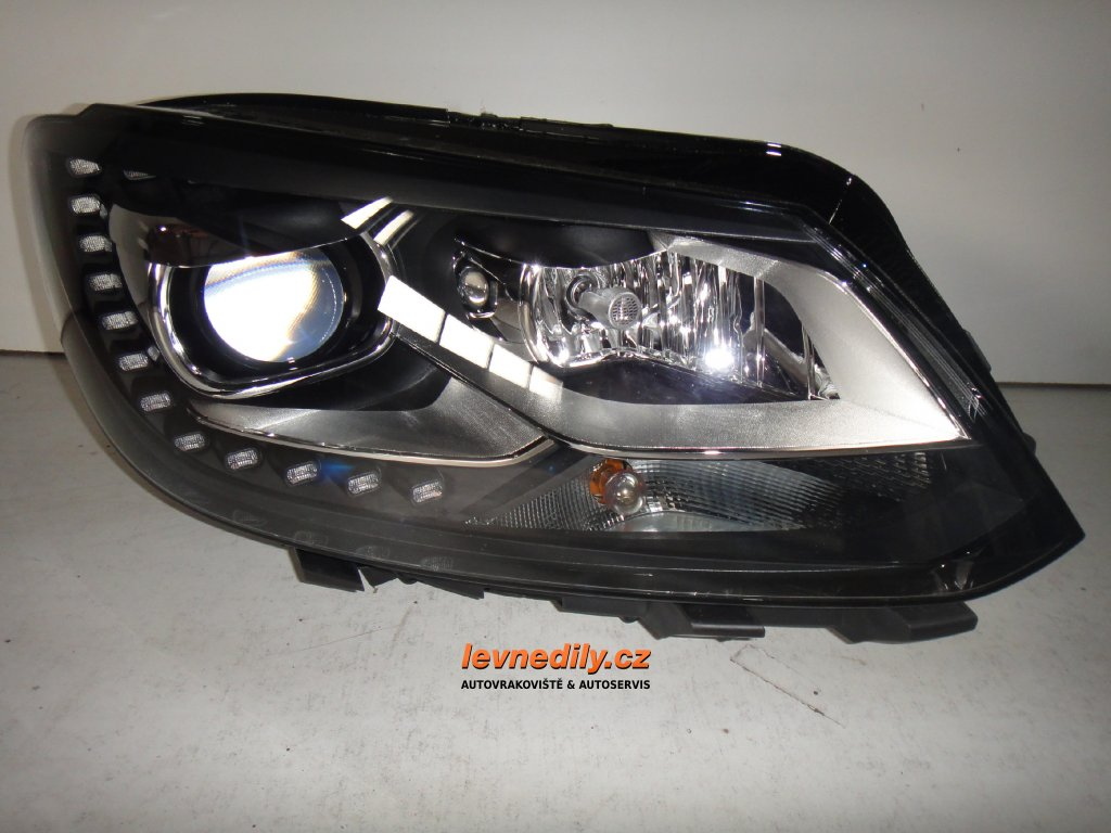 Pravé přední PP světlo VW Caddy Touran 1T1941752E