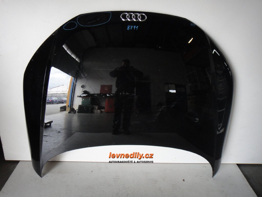 Přední kapota Audi TT