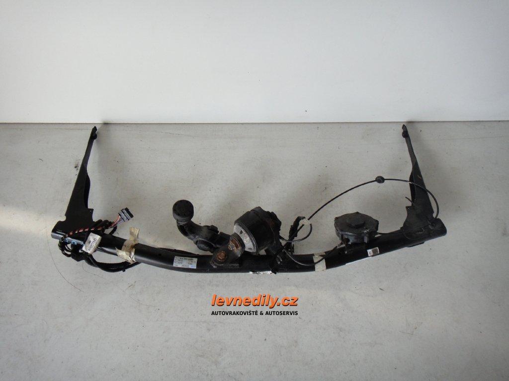 Tažné zařízení Audi Q3, originál, ovládané lankem