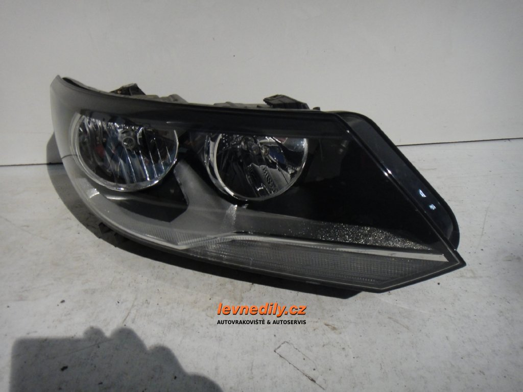 Pravé přední PP světlo VW Tiguan 5N1941006B