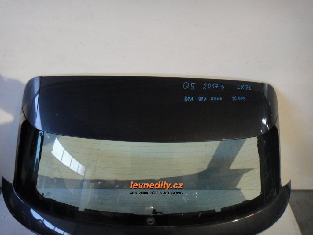 Zadní okno páté okno Audi Q5 80A827025D