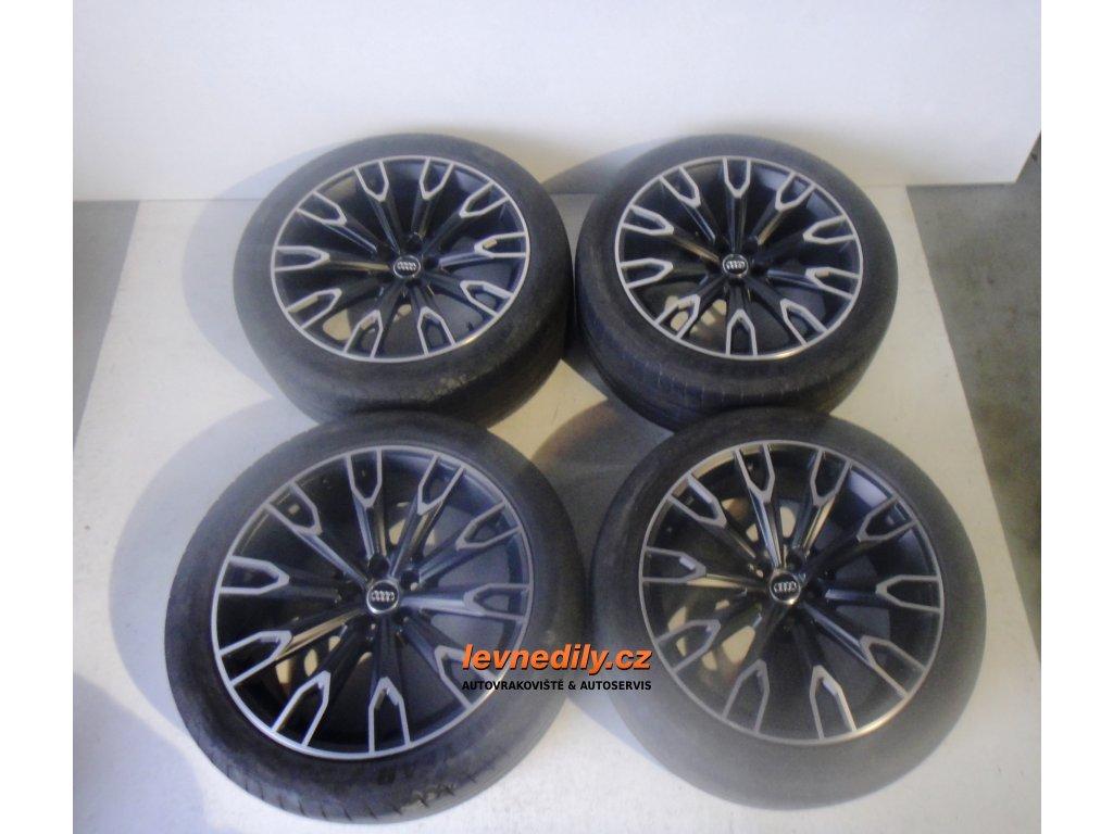 "Al kola Audi Q7 4M0071491 s pneu 21"""