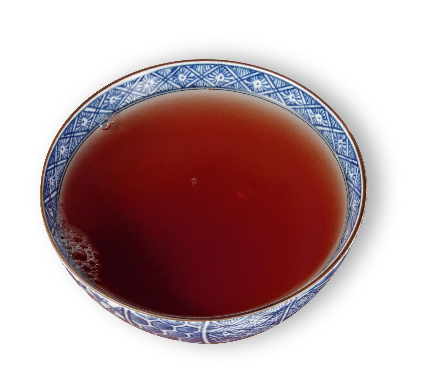 黑 Tmavý čaj