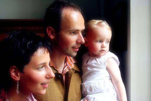happy-family-1548902-639x426