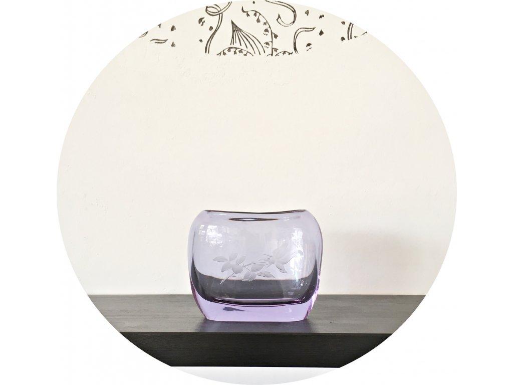 Fialová váza z hutního skla
