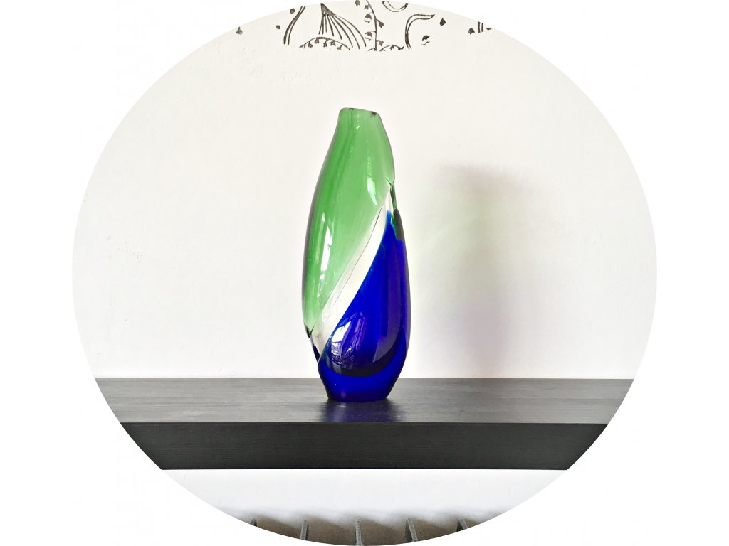 Zelenomodrá váza z hutního skla