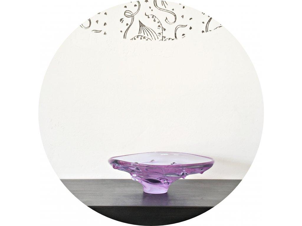 Fialová mísa z hutního skla
