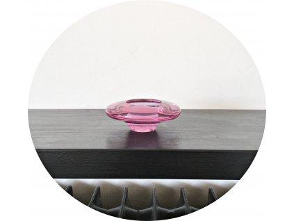 Růžový popelník z hutního skla