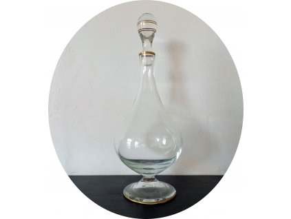 Karafa čiré sklo