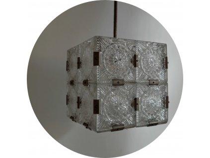 skleněný lustr