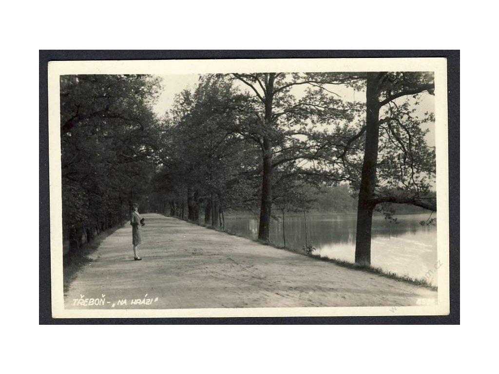 24 - Jindřichohradecko, Třeboň (Wittingau), na hrázi, nakl. Semrád, cca 1925
