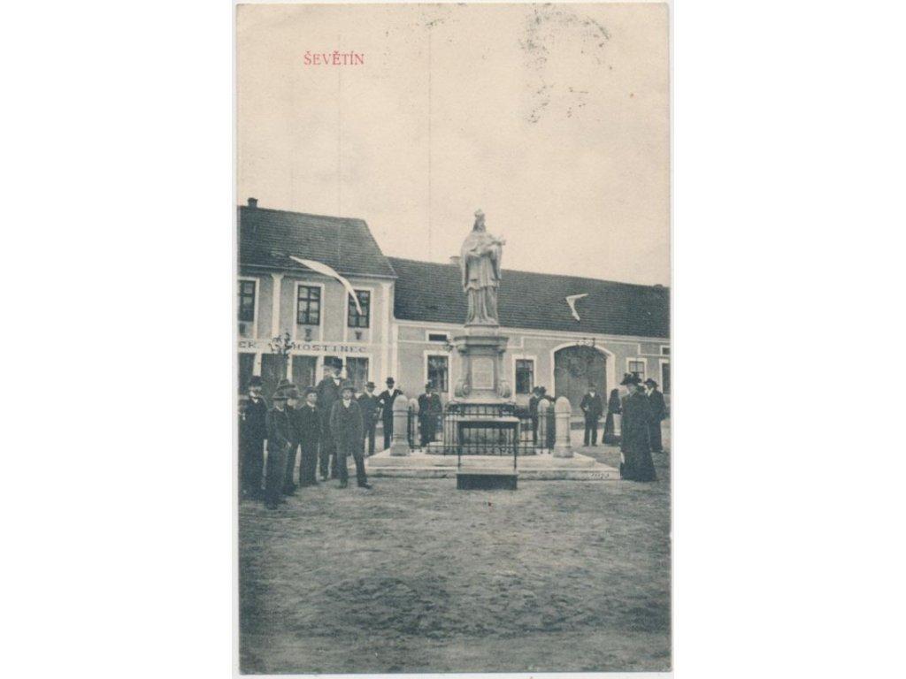 12 - Českobudějovicko, Ševětín, lidé na náměstí před hostincem,ca 1908