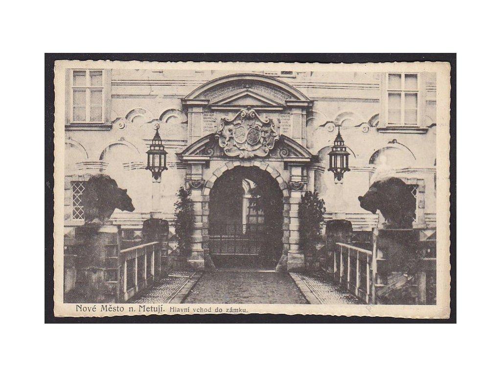 38 - Náchodsko, Nové Město nad Metují, hlavní vchod do zámku, nakl. Hák, cca 1922