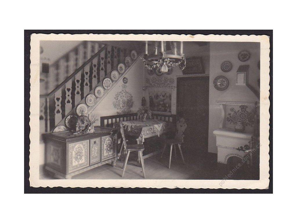 68 - Uherskohradišťsko, Mařatice, síň v domě č. 273, cca 1940