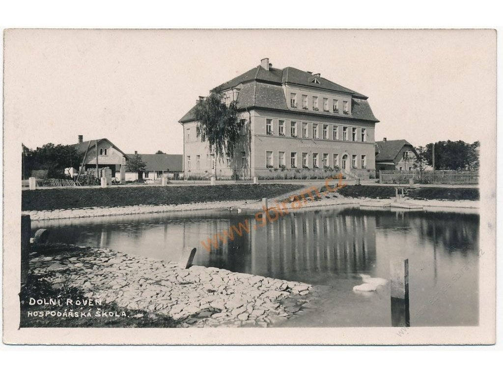 44 - Pardubicko, Dolní Roveň, Hospodářská škola, cca 1930