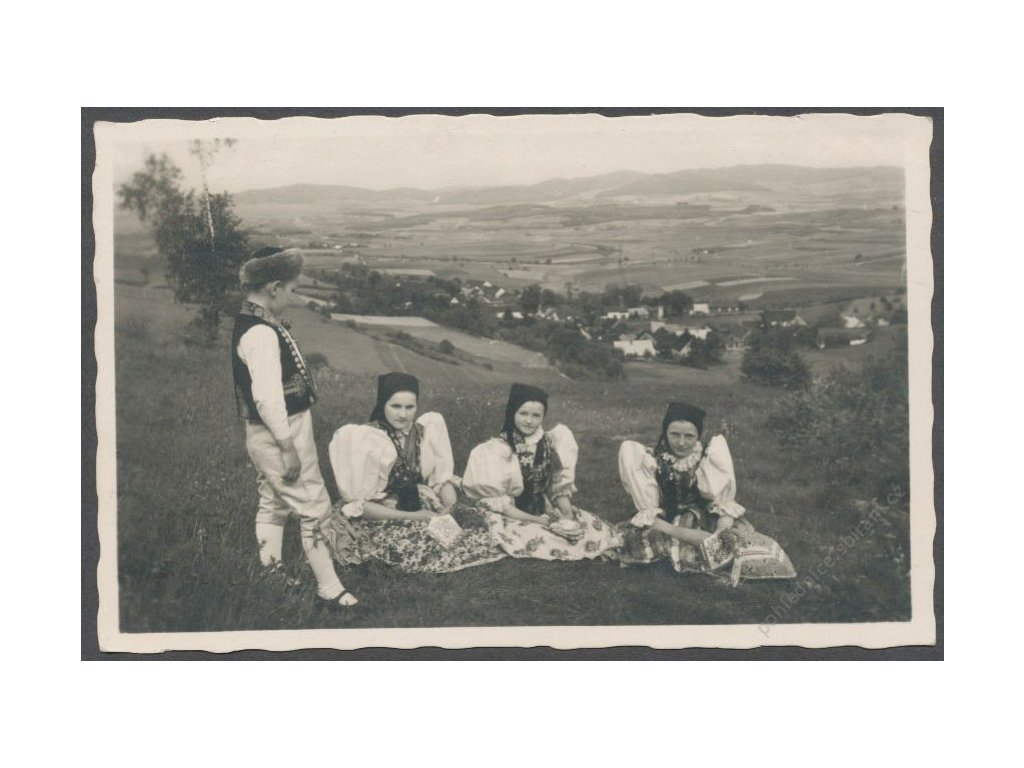 15 - Domažlicko, Chodsko, České národní kroje, cca 1940