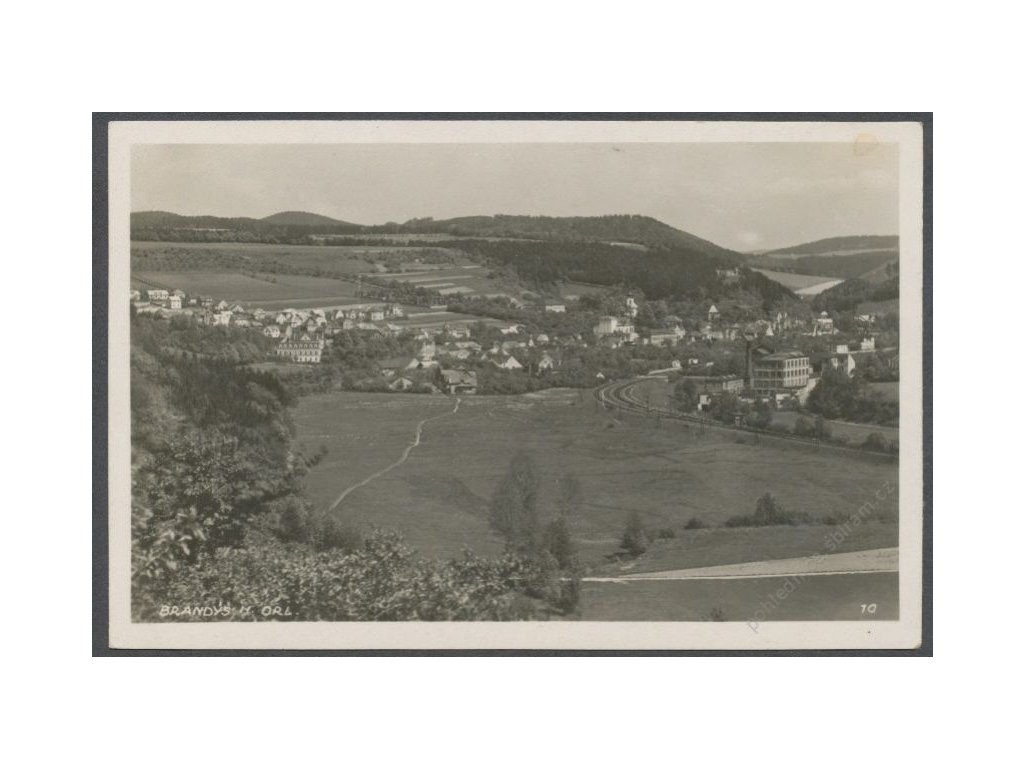 70 - Ústeckoorlicko, Brandýs nad Orlicí, pohled z dály, cca 1946