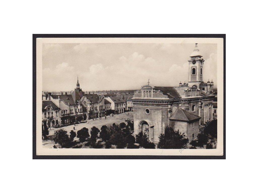 Slovensko, Topoľčany, náměstí s kostelem, cca 1930